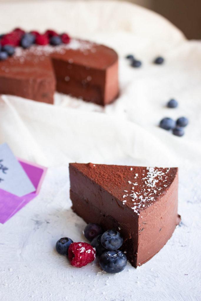 Probeer nu deze heerlijke valentijn taart met intense chocolade smaak en AIP optie.  (AIP, Paleo, Glutenvrij, Lactosevrij)