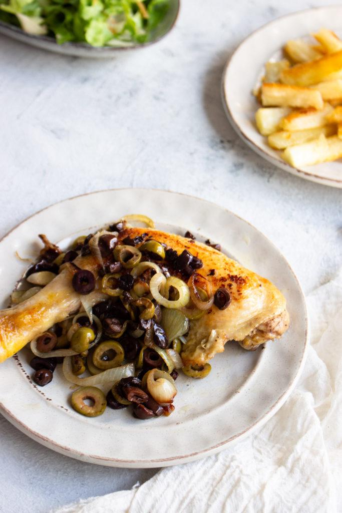 Kip met olijven, heerlijk makkelijk avondgerecht, lekker met cassave en salade (AIP, Paleo, Glutenvrij, Melkvrij)